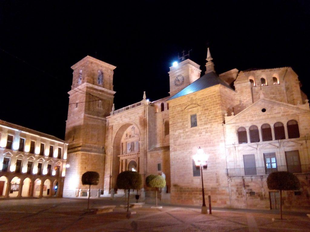 Iluminación nocturna, Plaza Mayor de Villanueva de los Infantes, Calambur Experience, Ciudad Real, Castilla la Mancha, Spain